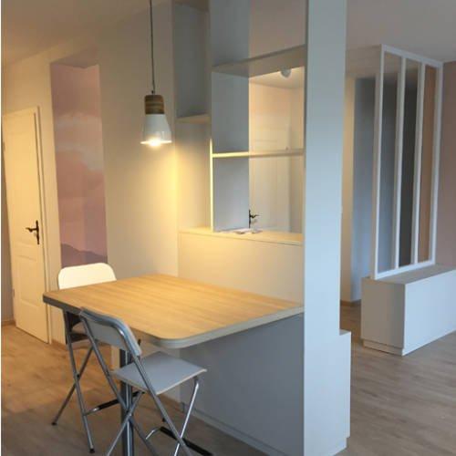 renovation et décoration d'un appartement cosy de 70m2 par Etymodéco, Décoratrice à Saint Louis en Alsace : petit bureau cloisonnant espace
