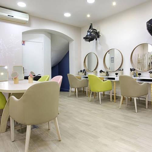Un salon de coiffure à Paris par un Air de Déco et Etymodéco : maquillage et zone coiffure